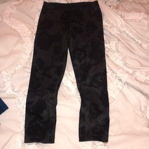 Lululemon womens wonder under cropped leggings 4